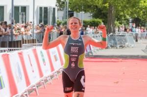 DM Triathlon 2015, Düsseldorf,28.06.2015, Deutsche Meisterin, Laura Lindemann,©Joseph Kleindl