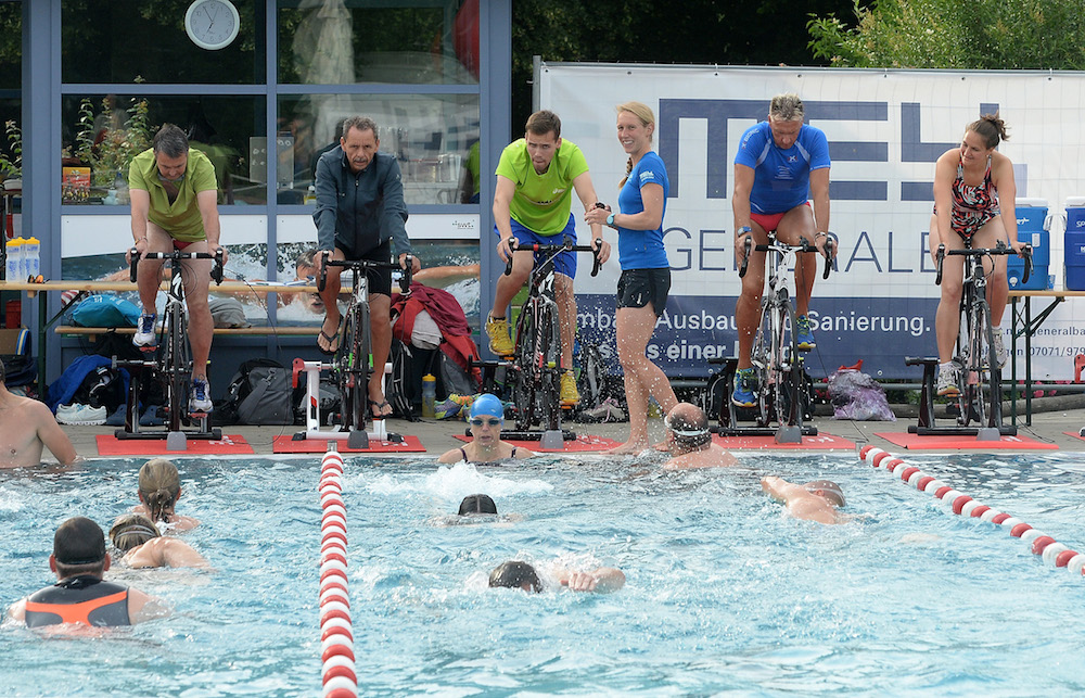 Schwimmtraining mit Profitriathletin Svenja Bazlen