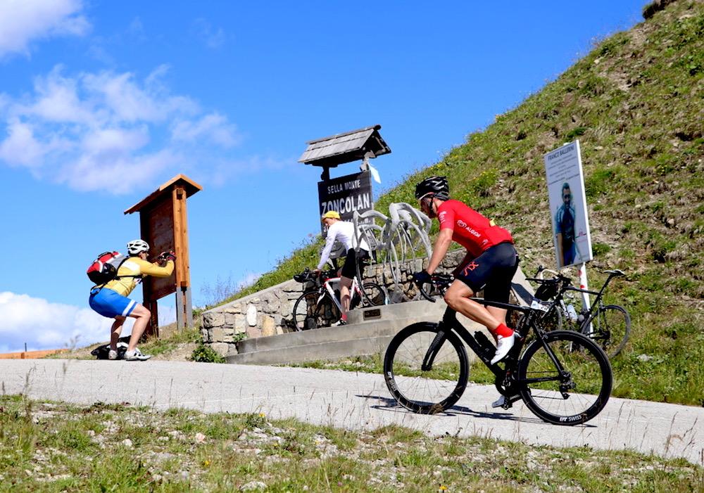 Der Monte Zoncolan unter Radfahrern bekannt als einer der härtesten Anstiege der Alpen.