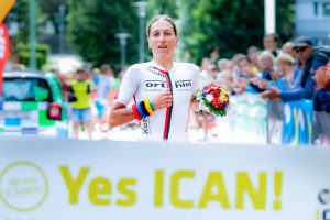 Lokalmatadorin Katja Konschak gewinnt erneut den ICAN Triathlon in Norhausen
