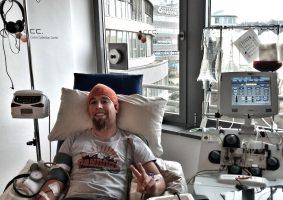 Malte Bruns bei seiner Knochenmarkspende
