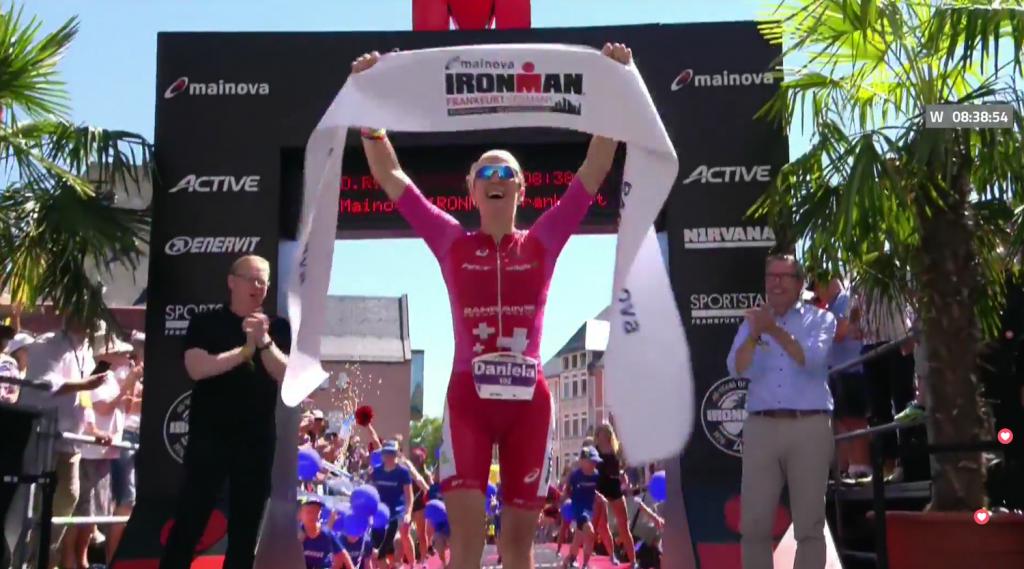Daniela Ryf gewinnt den ironman Frankfurt mit neuem Streckenrekord.