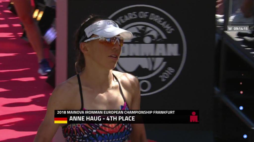 Anne Haug beendet ihren ersten Ironman als Viertplatzierte.