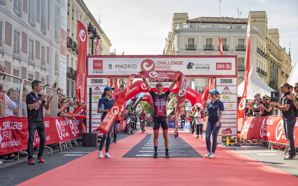 Ziellinie auf dem Puerta del Sol im Herzen Madrids