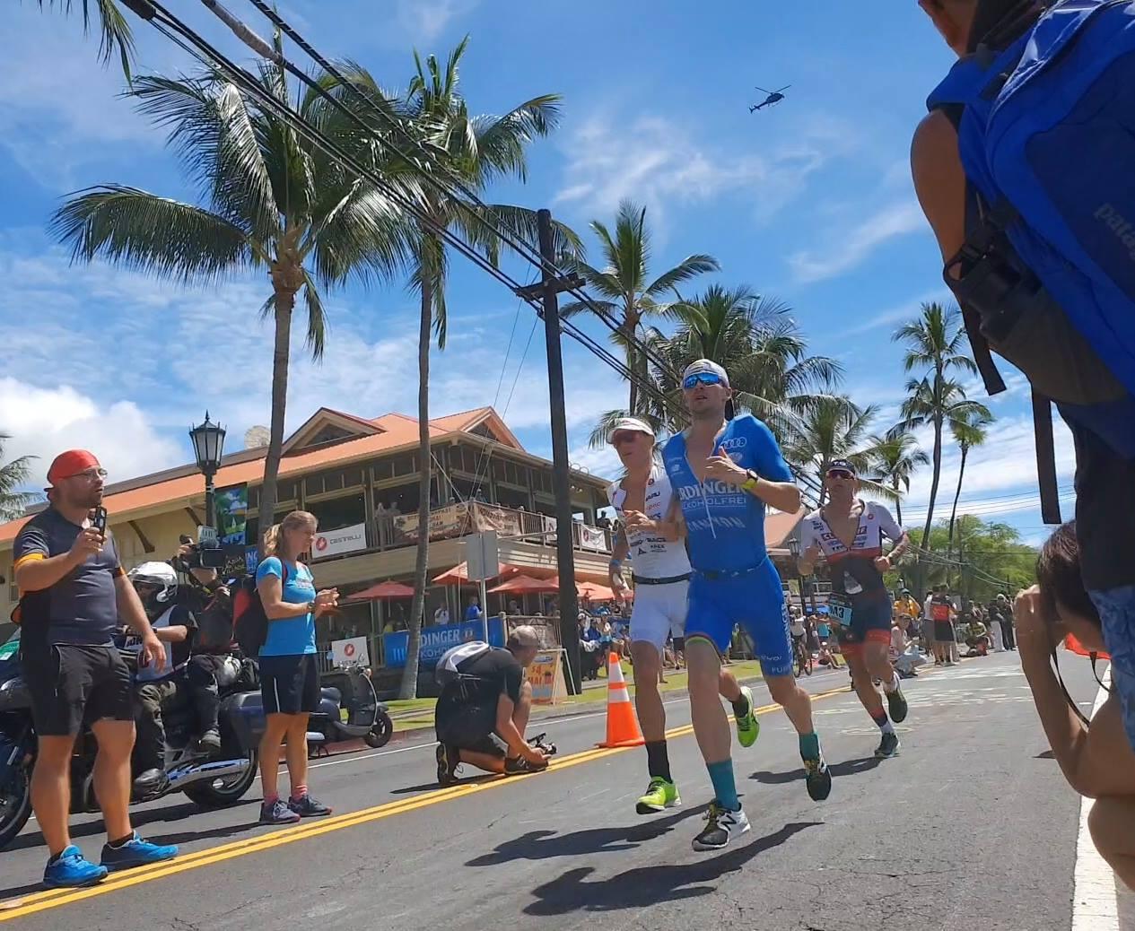 Patrick Lange auf der Laufstrecke beim Ironman Hawaii 2018