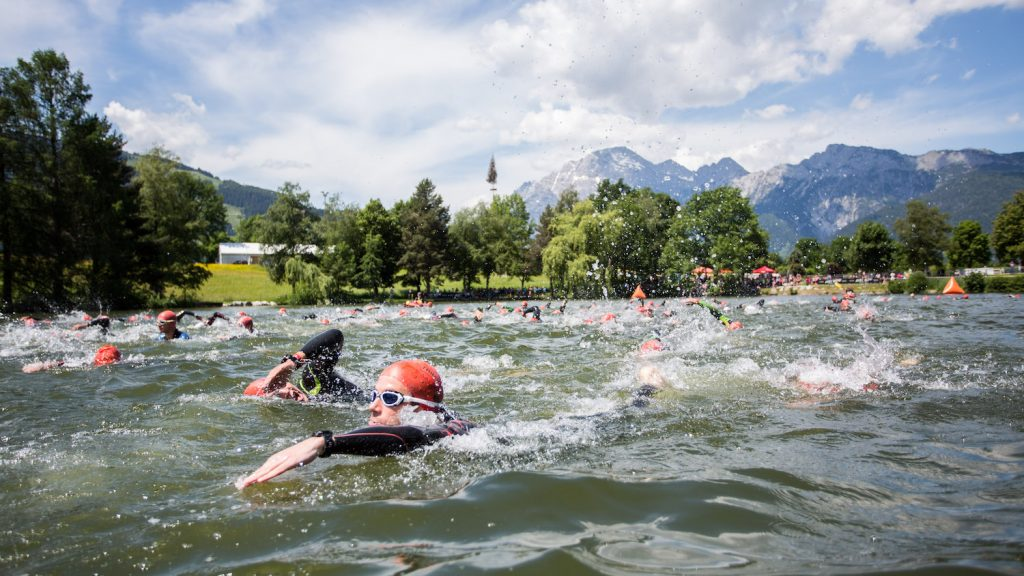 SAALFELDEN,AUSTRIA,26.MAY.17 - TRIATHLON, SWIMMING - Trimotion 111 / 55.5. Image shows athletes.<br /> Photo: GEPA pictures/ Daniel Goetzhaber